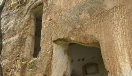 Zungri, Insediamento Rupestre degli Sbariati, visita guidata