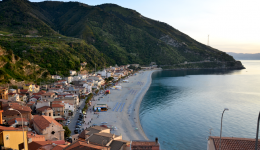 Great landscapes from the mountains to the sea: Gambarie - Scilla