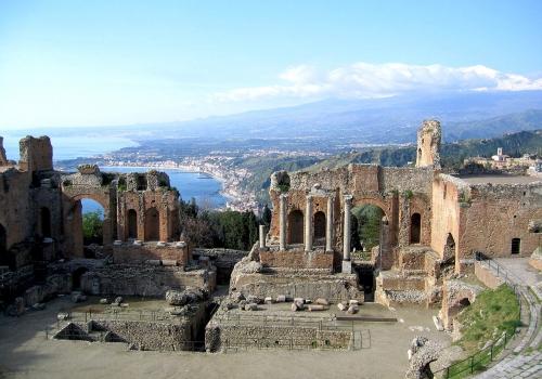 Cruzando el Estrecho: Etna y Taormina